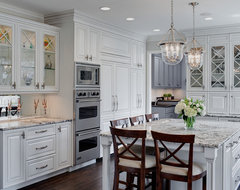 Well-dressed Traditional Kitchen - Glen Ellyn, IL traditional-kitchen