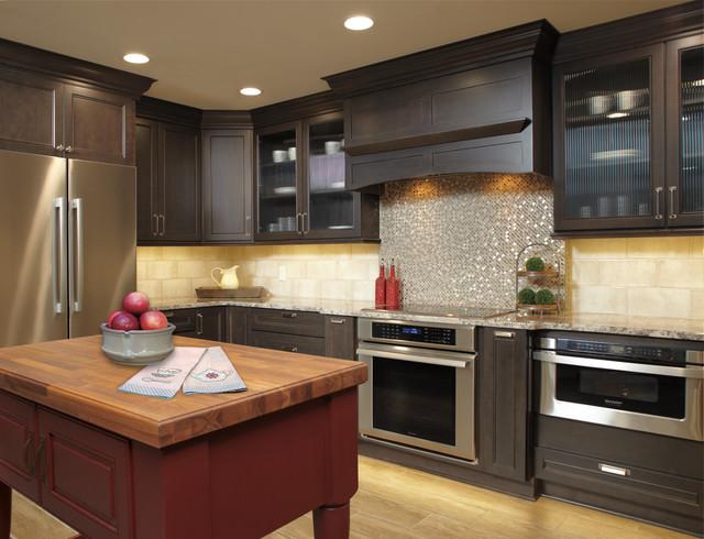 Wellborn Cabinet, Inc.   Napa Transitional Kitchen