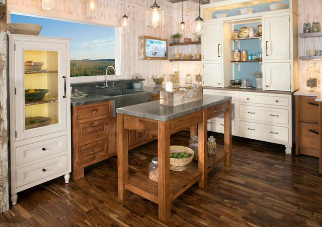 Wellborn Cabinet - Rustic - Kitchen - by Wellborn Cabinet, Inc.