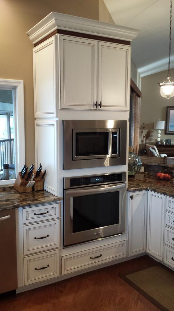 Wellborn Harmony Kitchen - Transitional - Kitchen - Tampa ...