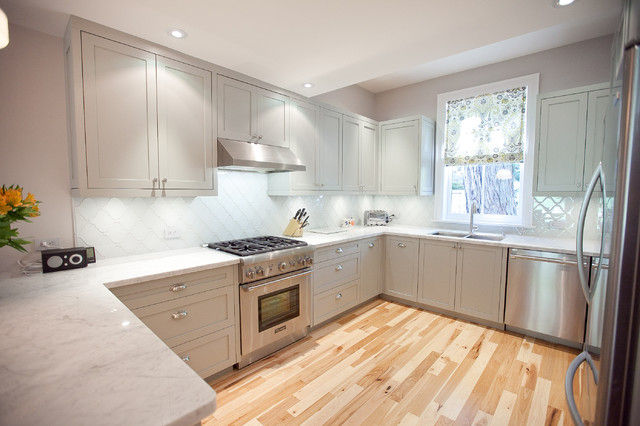 Inspiration For A Transitional U Shaped Kitchen Remodel In Toronto With Double Bowl
