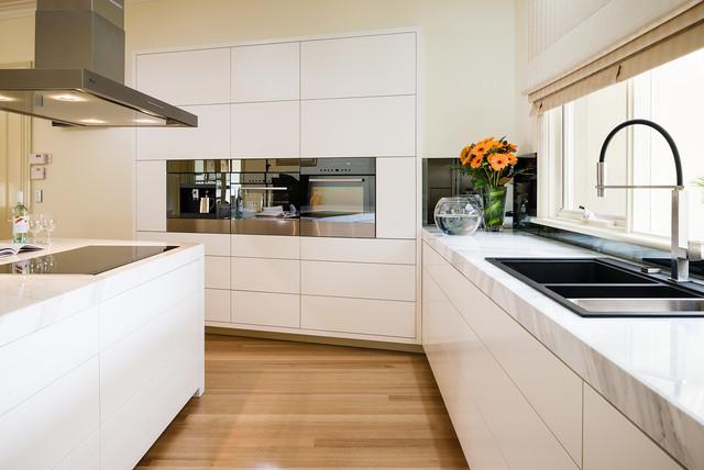 Werribee Kitchen Modern Kitchen Melbourne By Urban Kitchens