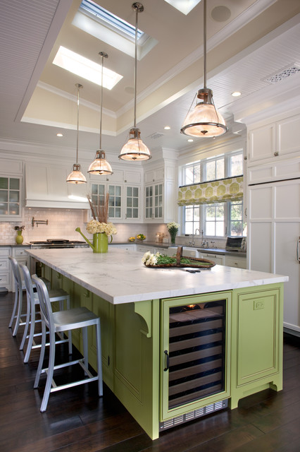 9 Kitchen Islands That Look Gorgeous In Green