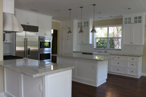 Need granite for white cabinets and dark floor