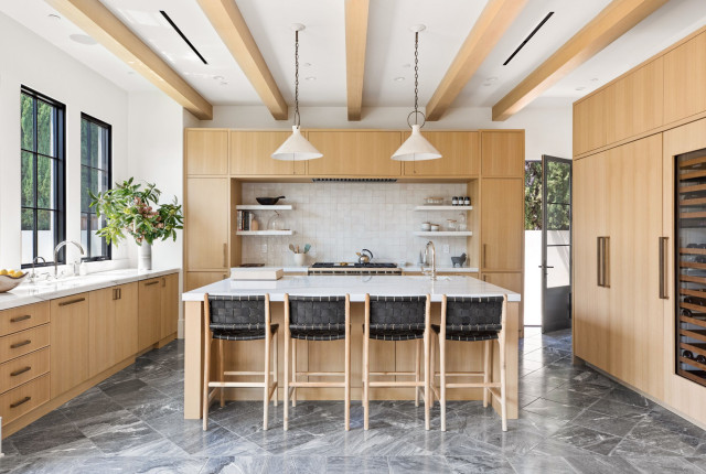 4 Inviting Kitchens With Light Wood, Kitchen Cabinets Light Wood