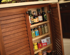 West Indies Beauty - Beautiful Storage tropical kitchen