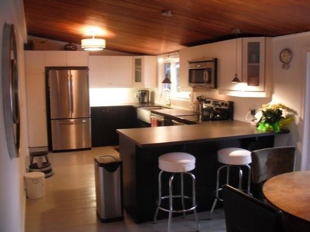 West Peninsula Residence modern-kitchen