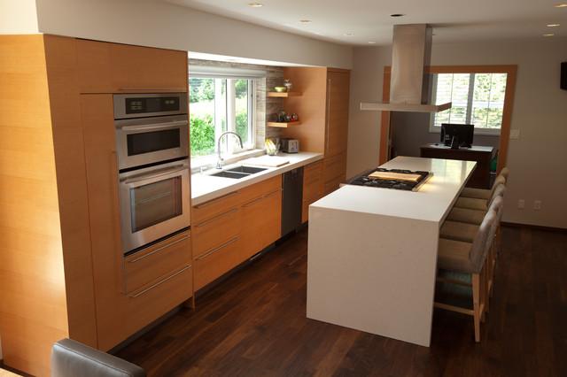 West Vancuver contemporary-kitchen
