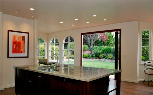 Example of a tuscan kitchen design in San Francisco