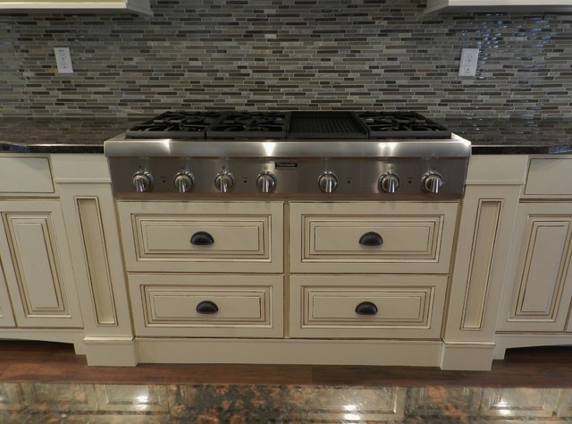 Westshore Granada - Traditional - Kitchen - Tampa - by Jacobs Custom Cabinets LLC.