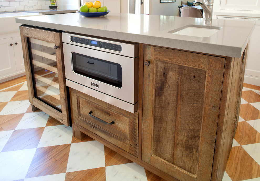 Example of an arts and crafts kitchen design in Los Angeles