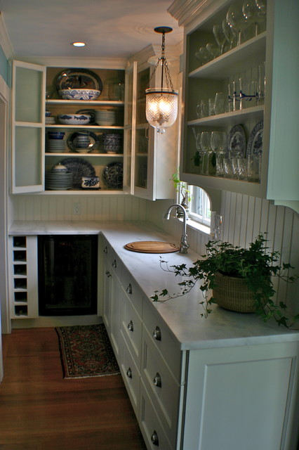 Wet Bar traditional kitchen