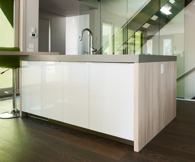 Wexford 2 Modern Kitchen Calgary By Rational Kitchens Calgary
