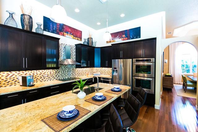 Trendy Kitchen Photo In Miami