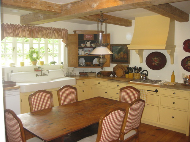 whidbey designs traditional-kitchen