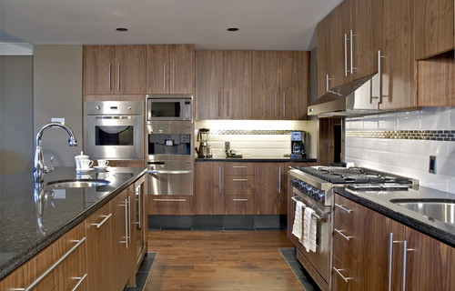 Are those bamboo cabinets houzz for Bamboo wood kitchen cabinets