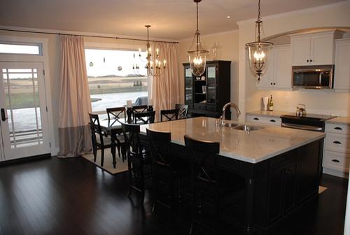 White Black Kitchentraditional Kitchen