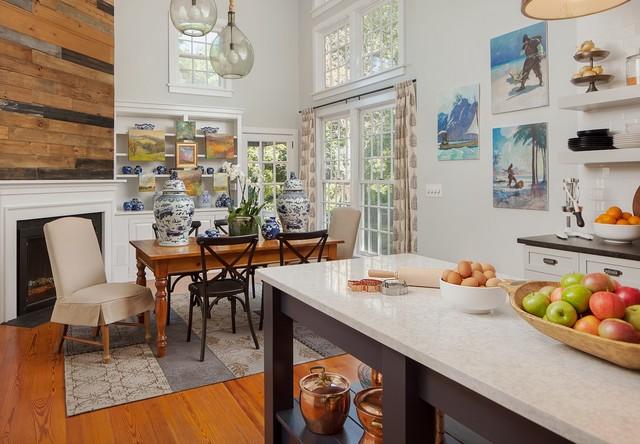 White Kitchen With Copper And Navy Blue Accents Landhausstil Kuche Sonstige Von Daniel Jackson Photo Houzz
