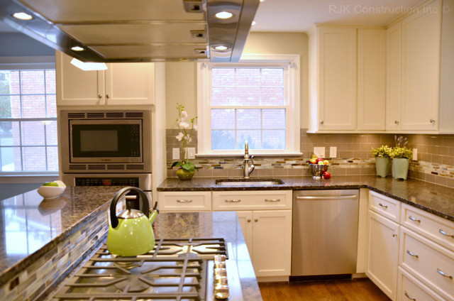White Cabinetry Kitchen with Island traditional kitchen