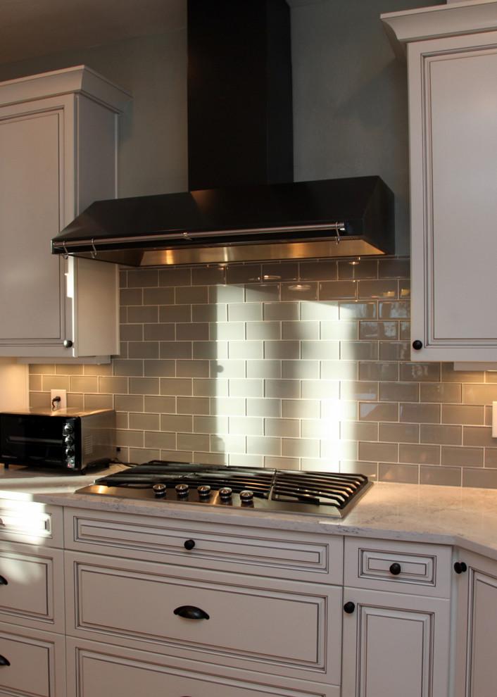 Elegant kitchen photo in Denver