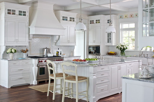 White cottage kitchen traditional kitchen grand for Cottage style kitchen design