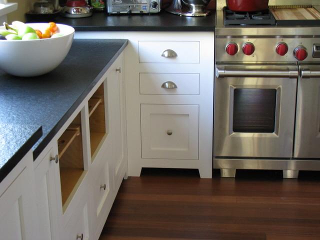 White Craftsman Style Traditional Kitchen - Craftsman ...