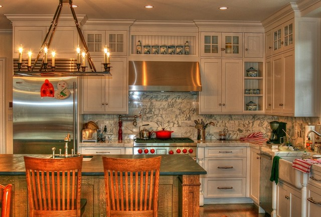 Merveilleux Example Of A Classic Kitchen Design In New York With Recessed Panel  Cabinets, Beige