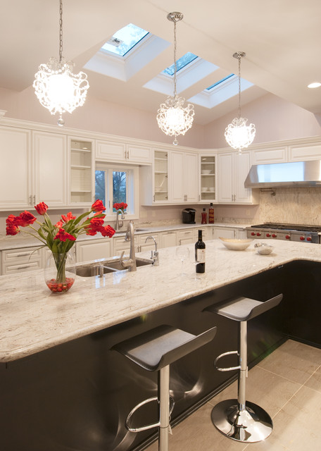White Glamorous Modern Kitchen Modern Kitchen