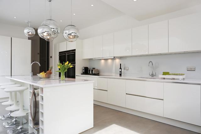 White Gloss Island Kitchen Contemporary London By Lwk Kitchens