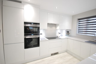 kitchen cabinets pictures white white gloss j pull contemporary kitchen with light grey 6323