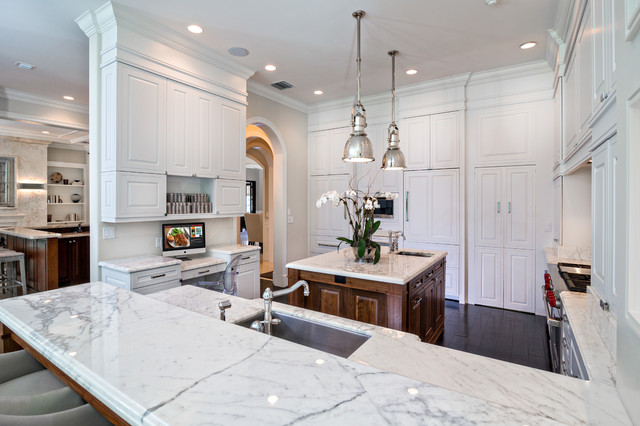 White Gourmet Kitchen Traditional Kitchen miami by