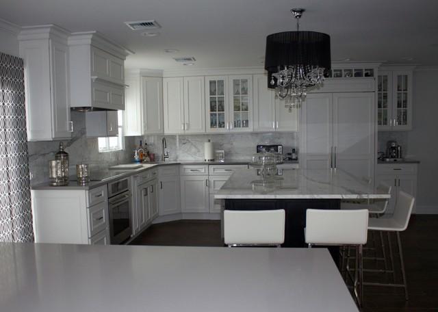 White grey kitchen for Kitchen designs grey and white
