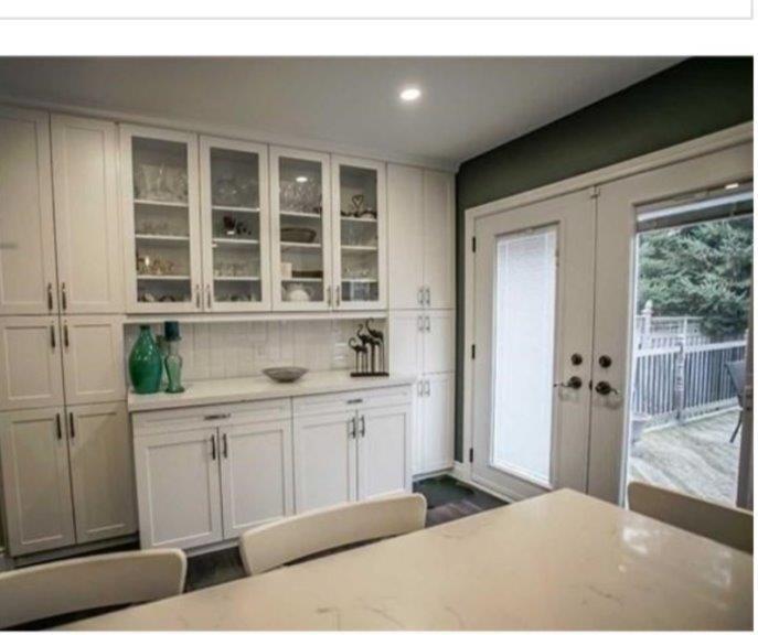 White Kitchen & Main Floor Renovation