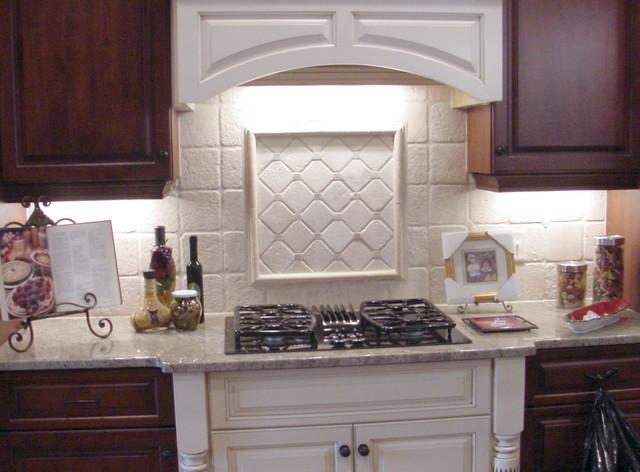Etonnant Elegant Kitchen Photo In Raleigh With White Backsplash And Stone Tile  Backsplash