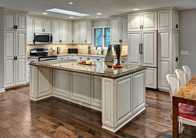 White Kitchen Craftsman Minneapolis By