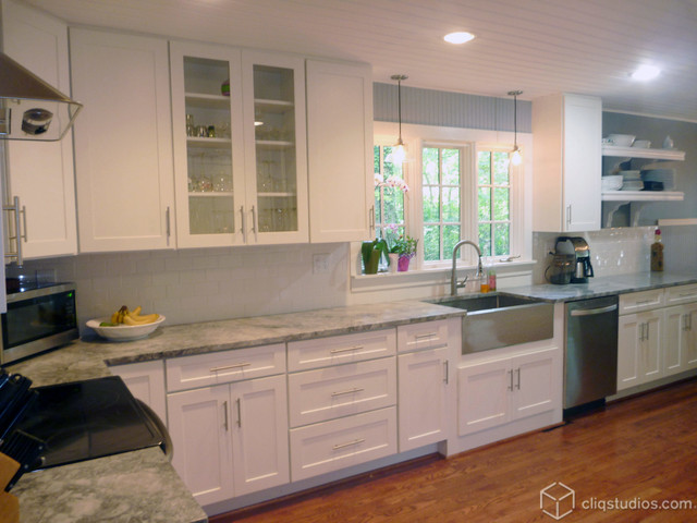 White kitchen cabinets traditional kitchen for White mission style kitchen cabinets