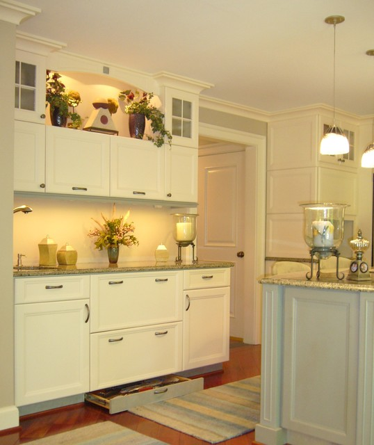 White Kitchen Cabinets, Hidden Drawer in Base, Accent Lighting Ideas.jpg - Contemporary ...