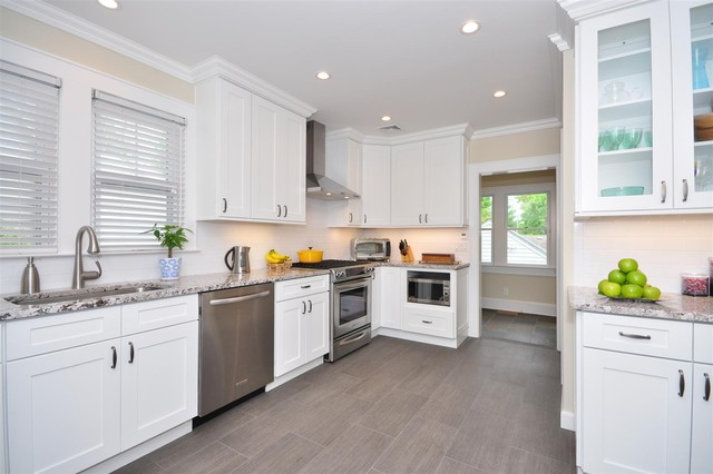 White Kitchen Cabinets | Ice White Shaker Door Style | Kitchen Cabinet  Kings Transitional Kitchen