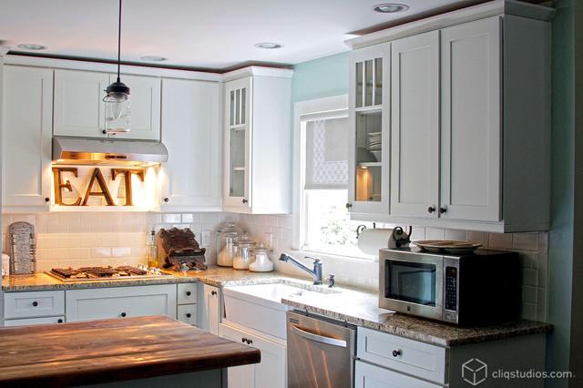 White Kitchen Cabinets | Mission Cabinetry | CliqStudios contemporary-kitchen