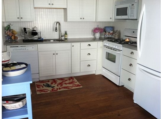 White Kitchen Cabinets Rockford Door Style CliqStudios
