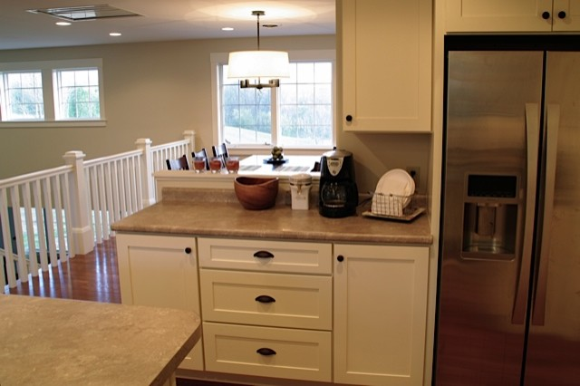 White kitchen cabinets shaker style cliqstudios contemporary