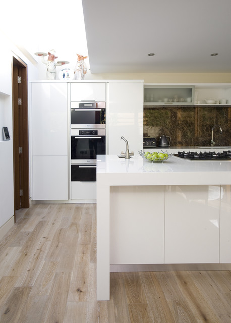 contemporary kitchen by Darren Morgan