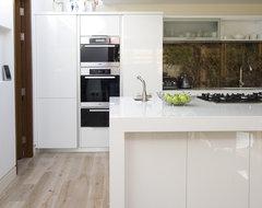White Kitchen contemporary-kitchen