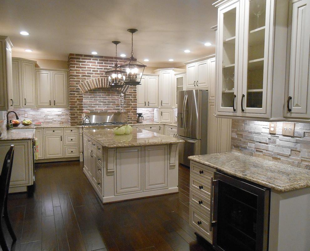 White Kitchen with Cocoa Glaze