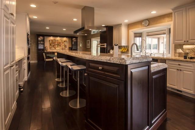 White Kitchen With Dark Accent Cabinets Traditional Kitchen Chicago By Ddk Kitchen