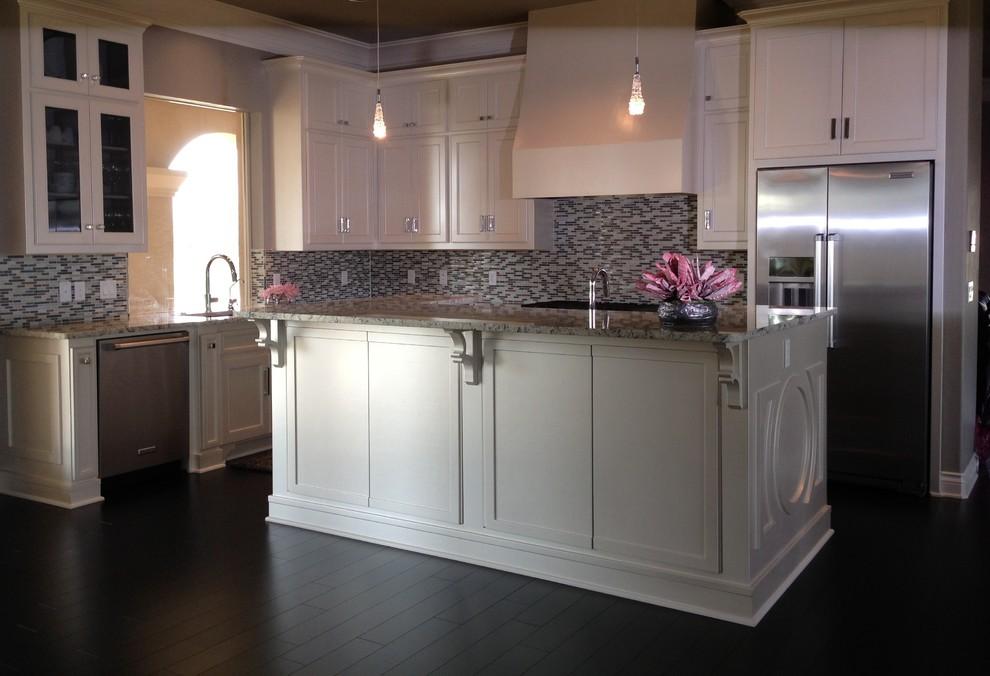 White Kitchen With Glass Tile, Custom Kitchen Cabinets Oklahoma City