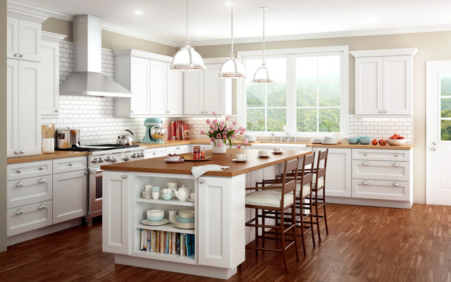 White Kitchen with Island - Traditional - Kitchen