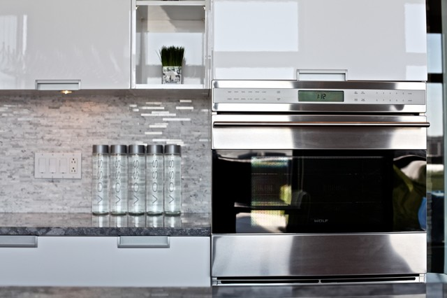 White Lacquer Kitchen Cabinets - Rooms