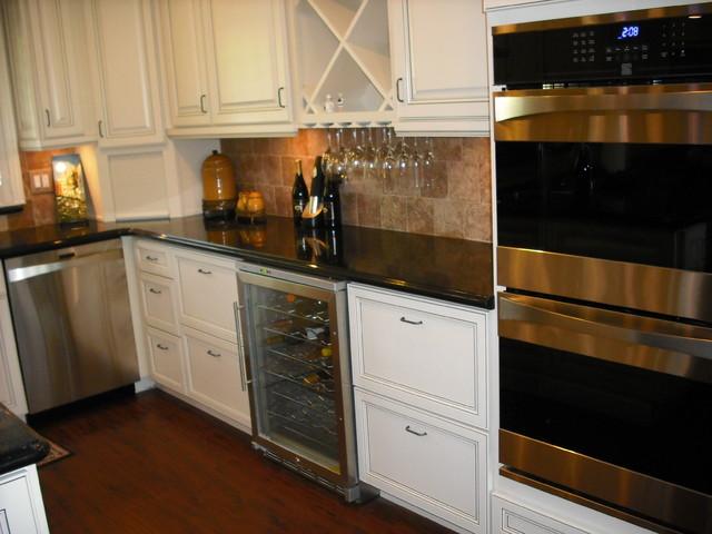 White traditional-kitchen