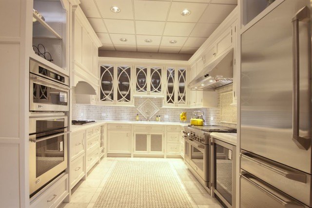 White Majesty Traditional Kitchen Chicago By Ddk Kitchen Design Group